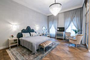 parkiet-jodelka-francuska-olejowana-w-apartamencie-hotelowym